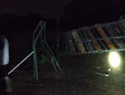 Luapan Air Sungai Cimanuk, Robohkan Jembatan Gantung Siliwangi Hum 54