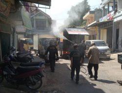 Antisipasi Lonjakan Covid-19, Pasar Tanjungsari Disemprot Disinfektan