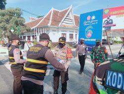 Polres Sumedang, Distribusikan Ratusan Bansos PPKM Darurat