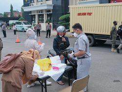 Polres Sumedang Lakukan Tracing Terhadap Ratusan Pengendara yang Melintas