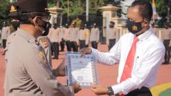 Tujuh Anggota Polres Sumedang Berprestasi Diberikan Penghargaan